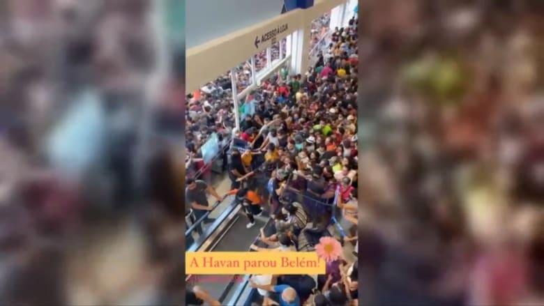 بسبب افتتاح متجر.. تجمعات حاشدة في البرازيل رغم تفشي كورونا