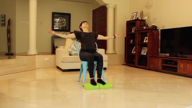 تمارين رياضية باستخدام الكرسي لمن يجلس أمام الكمبيوتر لفترات طويلة أثناء العمل