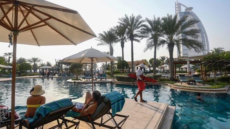ما هي معايير السلامة التي تطبقها الفنادق في الإمارات؟