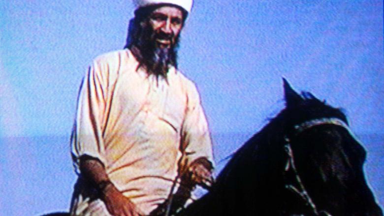 """""""أسامة بن لادن على قيد الحياة"""".. أعاد ترامب تغريدها وعضو فريق الاغتيال: ربما قتلنا بن جونسون"""