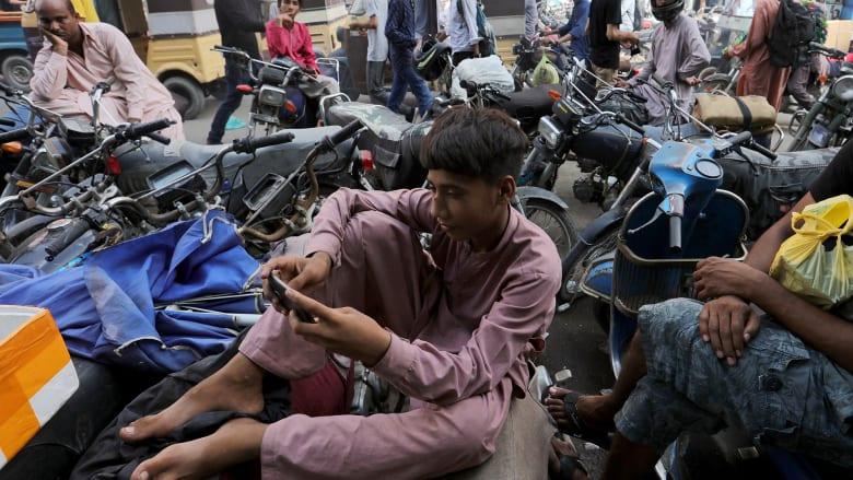 باكستان تلغي حظر تطبيق تيك توك بعد 10 أيام من فرضه