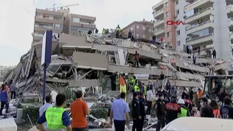 شاهد.. اللحظات الأولى بعد زلزال إزمير العنيف في تركيا