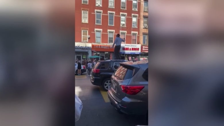 رقص فوق السيارات وعزف وغناء.. هكذا كانت الاحتفالات عبر مدن الولايات المتحدة بفوز بايدن