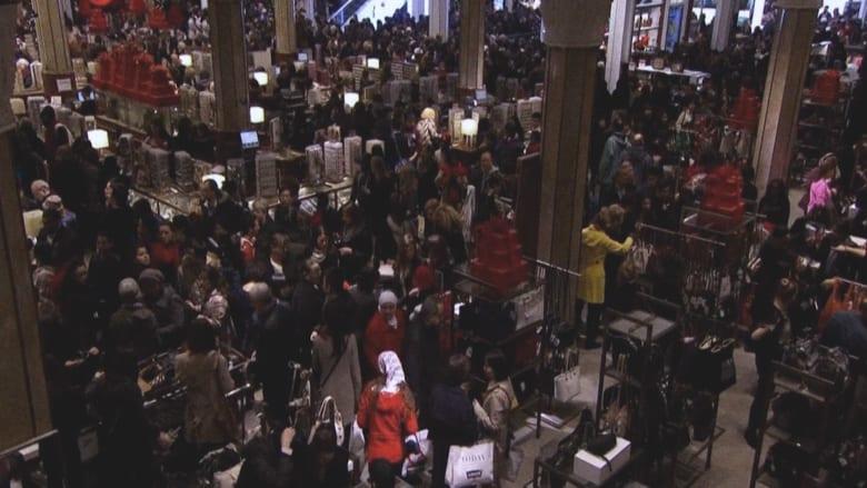 """هل ينقرض جنون تسوق """"الجمعة السوداء"""" بسبب جائحة كورونا؟"""