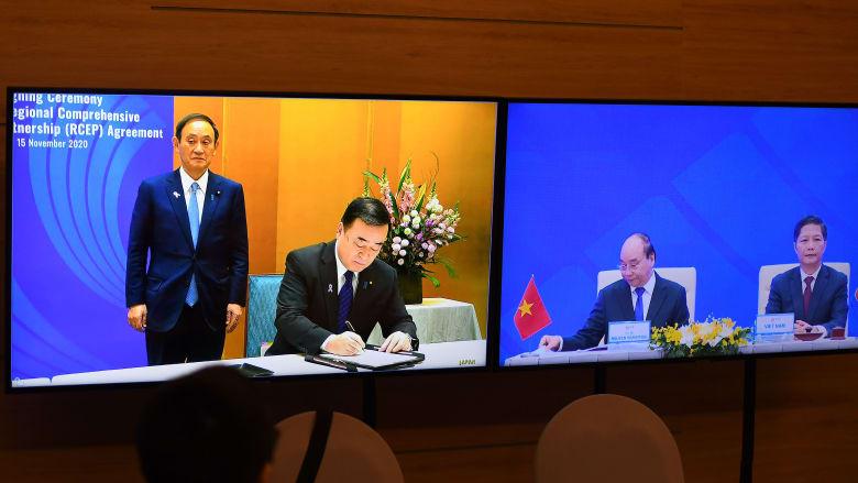 بدعم من الصين.. 15 دولة آسيوية توقع أكبر اتفاقية تجارة حرة في العالم