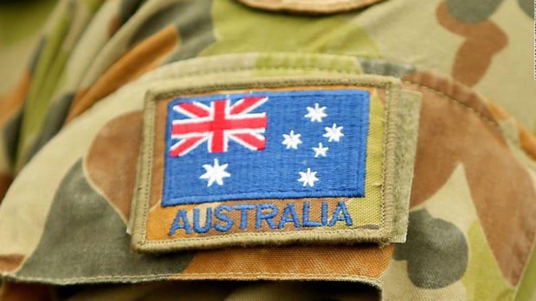 العالم الأسترالي على ذراع جندي في أستراليا العام 2019