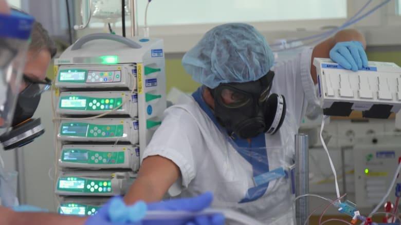 أطباء سويديون محبطون بسبب افتقار البلاد لإجراءات صارمة لمكافحة كورونا