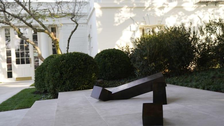 أول عمل فني لفنان أمريكي من أصول آسيوية في البيت الأبيض.. كيف يبدو؟
