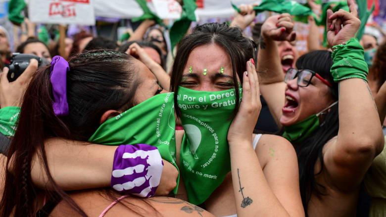 الأرجنتين: مجلس النواب يوافق على مشروع قانون يسمح بالإجهاض بجميع الحالات