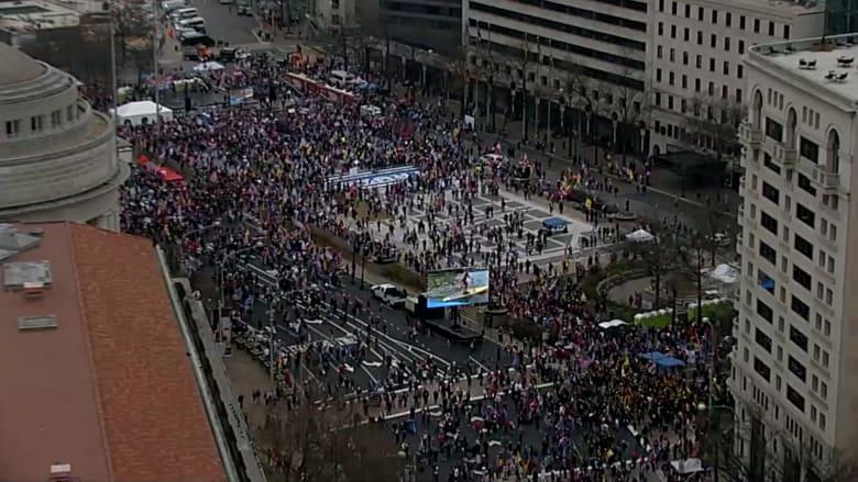 آلاف المحتجين من أنصار ترامب يعودون للشوارع قبل تصويت الهيئة الانتخابية