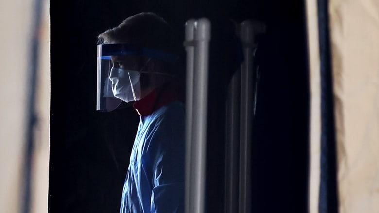 عالم أوبئة: صعب تجنب الوصول إلى 400 ألف وفاة بكورونا في أمريكا رغم اللقاح
