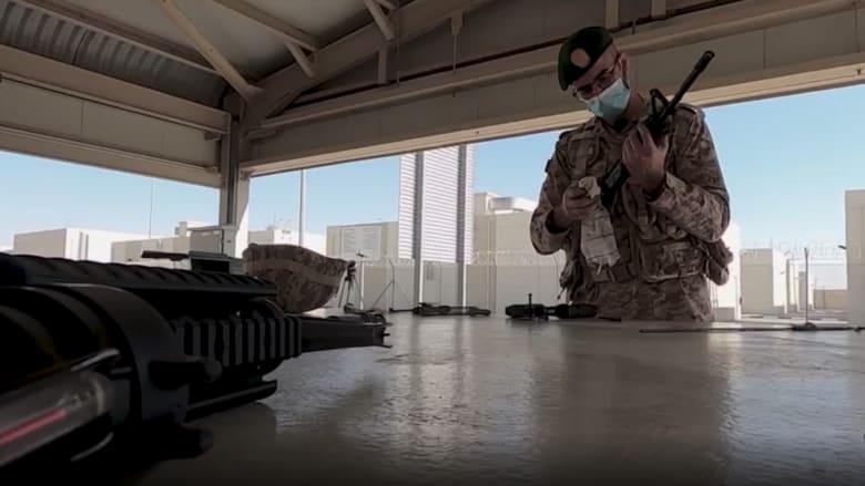 عمر العلماء.. جندي في الجيش الإماراتي في النهار ووزيرا في الليل