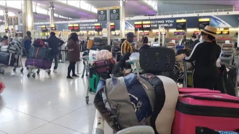 بسبب سلالة كورونا الجديدة.. شاهد محاولة سكان لندن مغادرة المدينة قبل قيود السفر