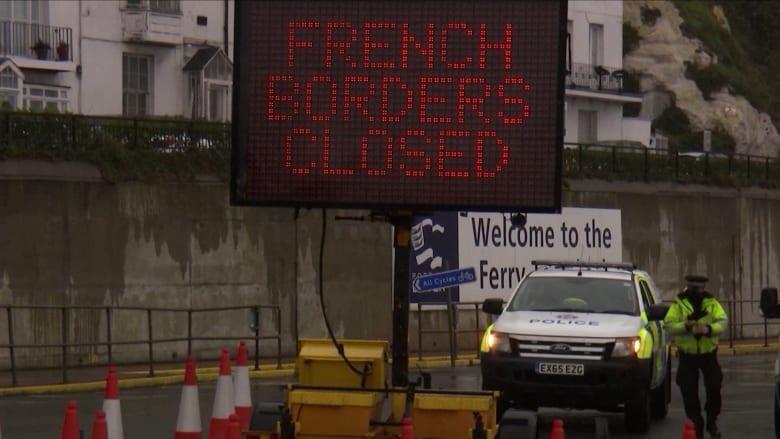 عشرات الدول في جميع أنحاء العالم تحظر السفر من المملكة المتحدة بسبب السلالة الجديدة من فيروس كورونا