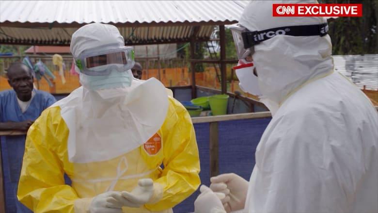 """حصري.. لغز مرض جديد """"مُخيف"""" بأفريقيا.. ومُكتشف إيبولا يحذر من فيروسات قاتلة لم تأت بعد"""