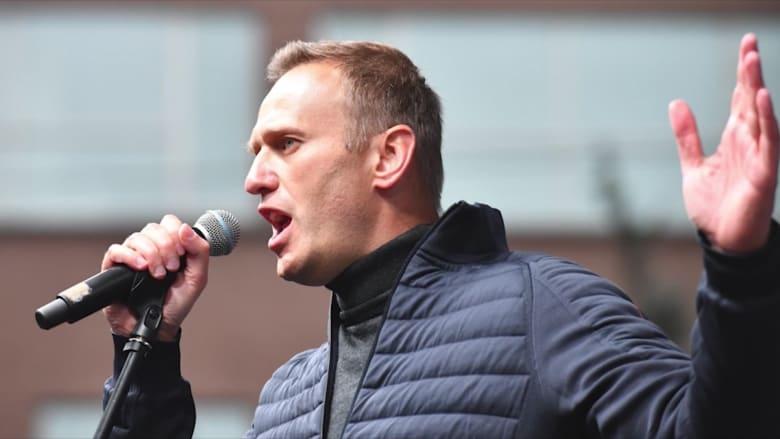 السلطات الروسية تهدد بسجن نافالني إذا لم يعد لروسيا صباح الثلاثاء