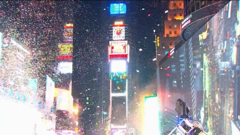كيف يمكنك الاحتفال في رأس السنة الجديدة بأمان في ظل جائحة كورونا؟