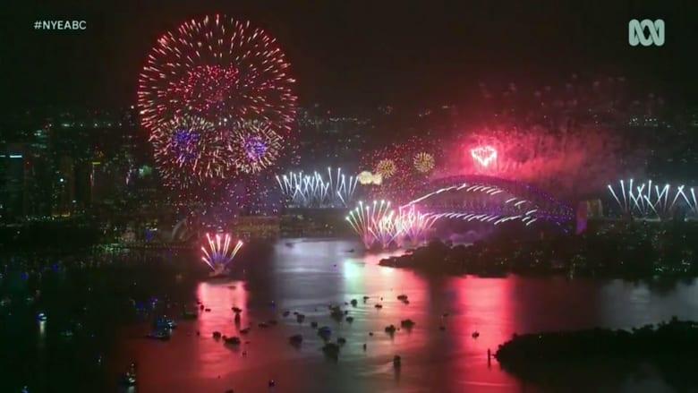 شاهد كيف احتفلت أستراليا بدخولها عام 2021 بعرض كبير للألعاب النارية