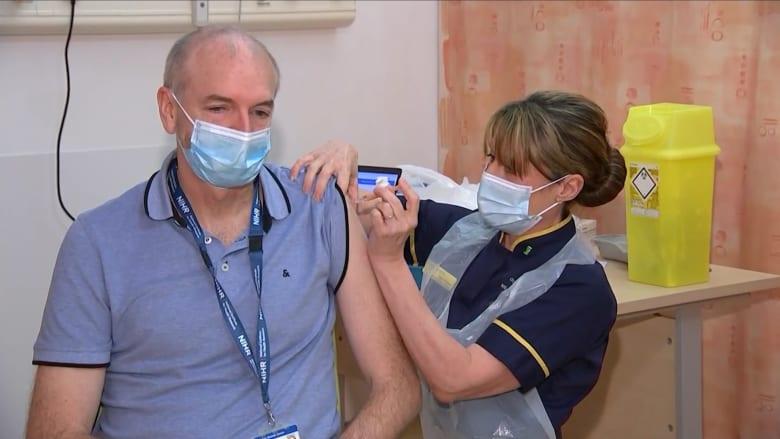 هل سيؤدي إطلاق اللقاح الجديد من أكسفورد إلى تغيير مسار معركة المملكة المتحدة ضد فيروس كورونا؟