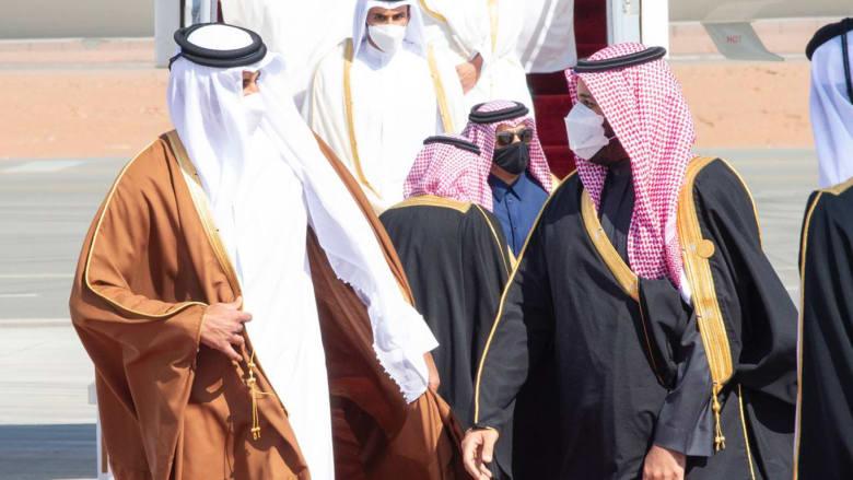 محمد بن سلمان خلال استقبال تميم بن حمد