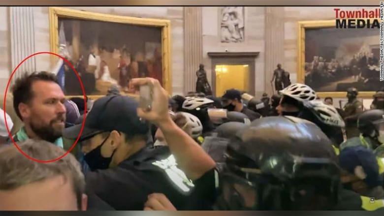 كيف انطلقت شرارة أعمال الشغب في واشنطن؟ شاهد لحظات اقتحام مبنى الكونغرس منذ بدايتها حتى نهايتها