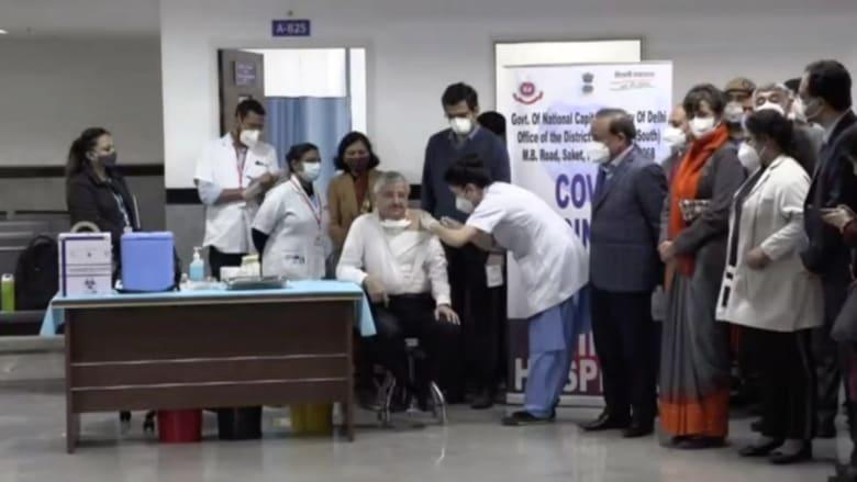الهند.. حملة تطعيم ضخمة لـ300 مليون شخص يعملون بالخطوط الأمامية لمواجهة كورونا