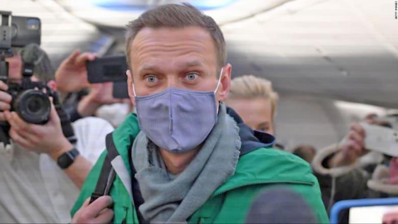 """""""لست خائفاً من العودة"""".. هذا ما قاله نافالني قبل اعتقاله في مطار موسكو"""