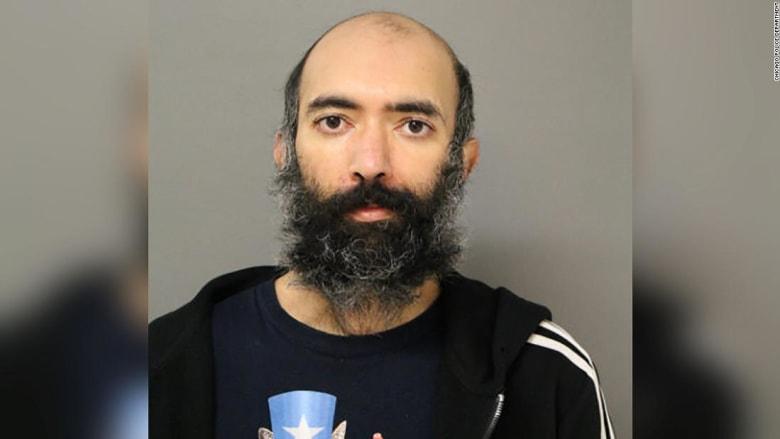 العثور على رجل عاش في مطار شيكاغو لمدة 3 أشهر خوفاً من فيروس كورونا