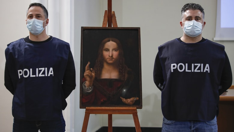 """عمرها 500 عام.. استعادة نسخة مسروقة من لوحة """"سالفاتور موندي"""" لليوناردو دافنشي"""