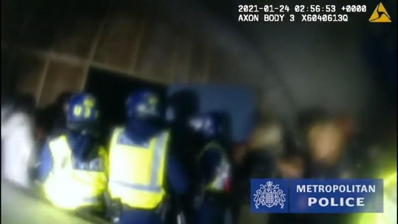 شاهد: لحظة مداهمة حفل مخالف في لندن.. وغرامات تزيد عن 20 ألف دولار