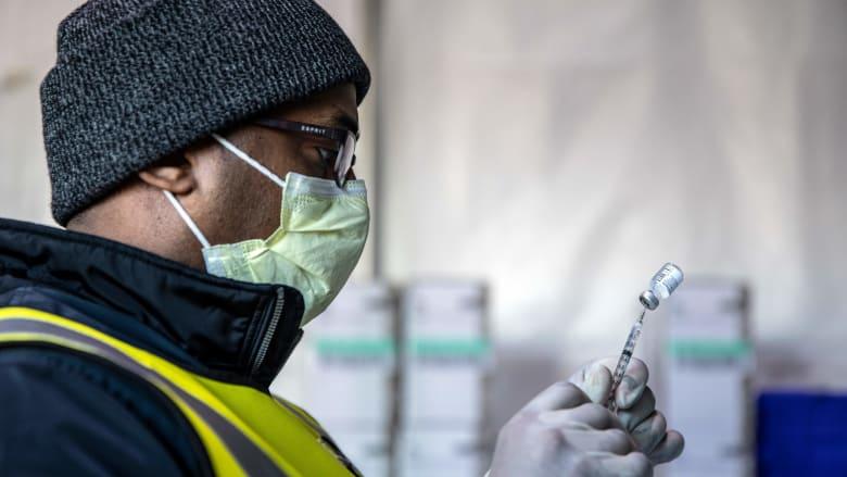 كم من الوقت سيستغرق تعديل لقاحات فيروس كورونا ضد سلالات الفيروس الجديدة؟