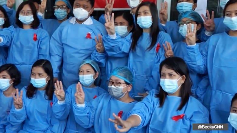 شاهد.. هكذا يستخدم البورميون التظاهر والإضراب للاحتجاج على الانقلاب