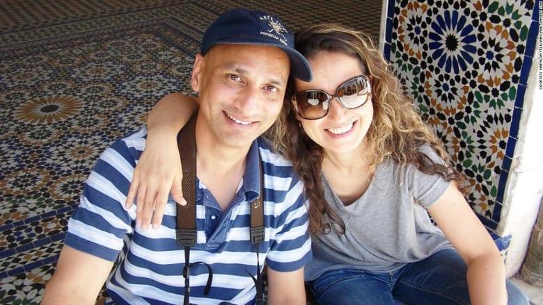 كيف جمع القدر بين قلبي هذا الثنائي على متن طائرة متجهة إلى مصر؟