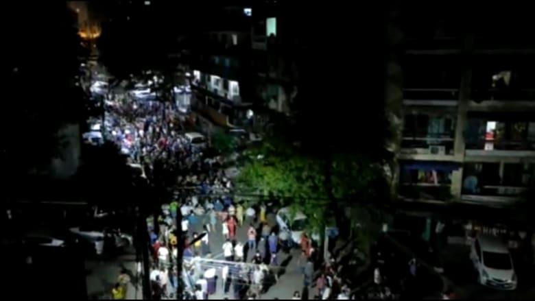 شاهد مظاهرة ليلية حاشدة في ميانمار على خلفية الاعتقالات العسكرية للمدنيين