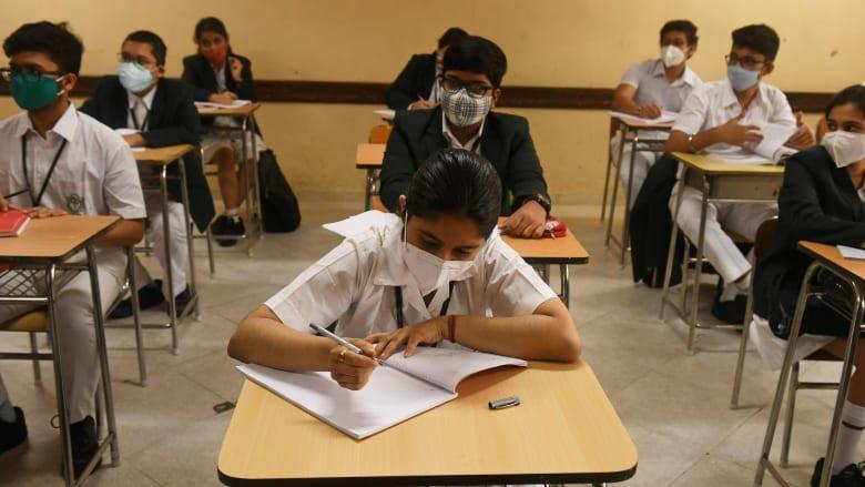 بشأن إعادة افتتاح المدارس.. 5 استراتيجيات للتخفيف من انتشار فيروس كورونا