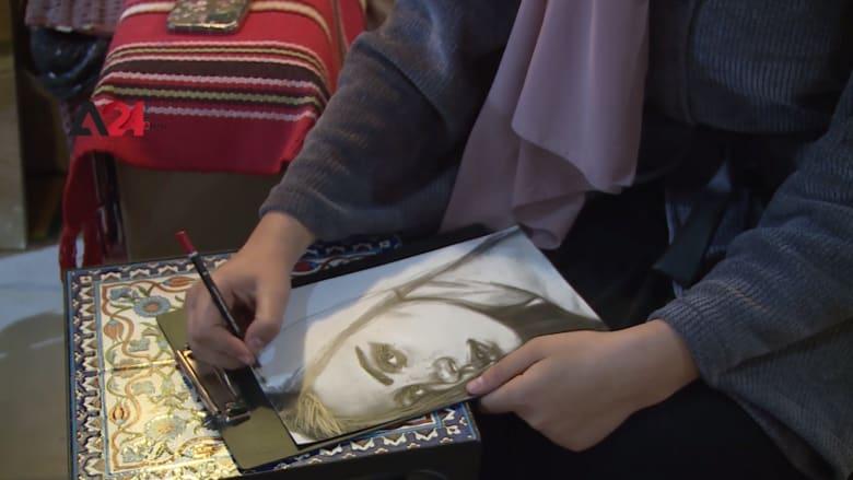 شاهد كيف حوّلت فلسطينية الرسم بالفحم من هواية إلى مصدر رزق؟