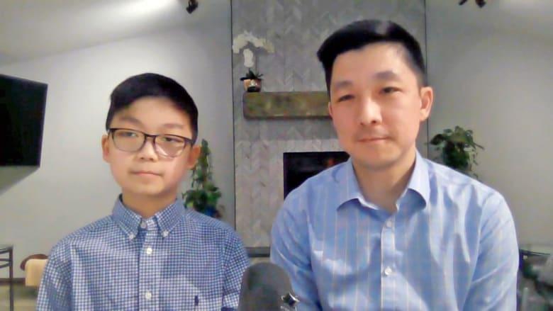 ابن طبيب أطفال عمره 12 عاماً يروي تجربته بعد حصوله على لقاح كورونا