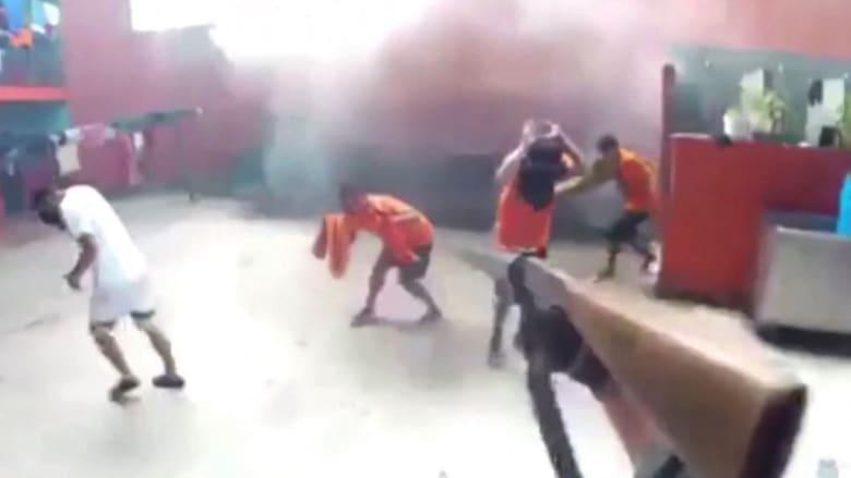أعمال شغب بين عصابتين متناحرتين تخلف عشرات القتلى داخل سجون الإكوادور