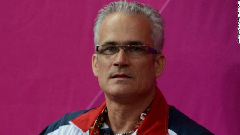 انتحار مدرب أوليمبي أمريكي للجمباز بعد اتهامه بالاتجار في البشر وجرائم جنسية