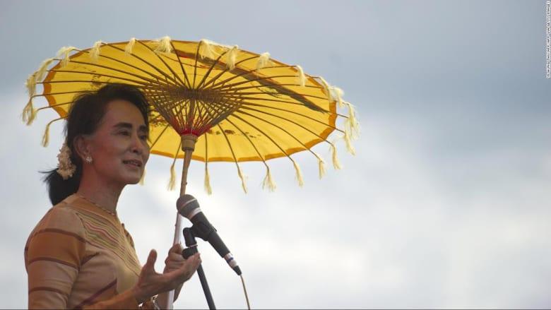 أون سان سو تشي.. صعود وسقوط أيقونة ميانمار بين الجيش ومسلمي الروهينغا