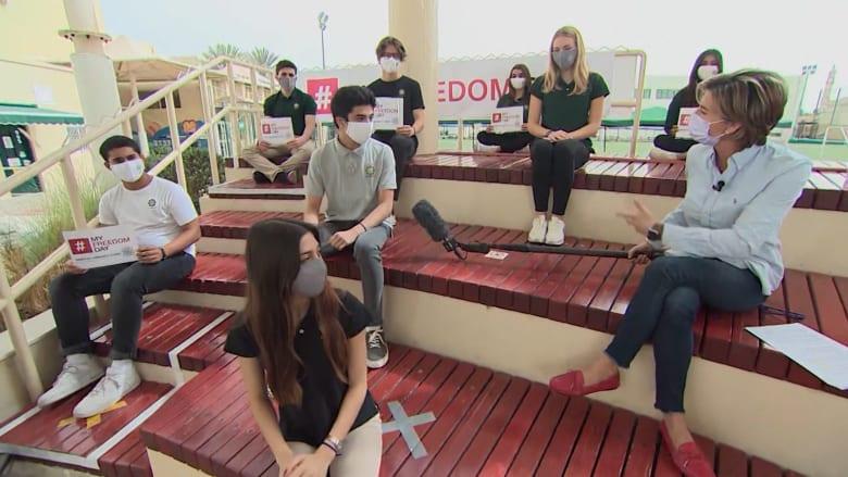 استمع إلى مبادرات طلاب في أبوظبي للمساعدة في إنهاء عبودية العصر الحديث