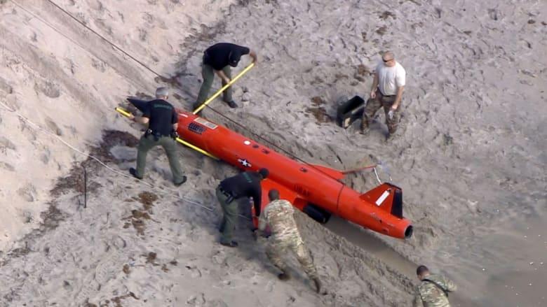 العثور على طائرة دون طيار تابعة لسلاح الجو الأمريكي في أحد الشواطئ.. ماذا حدث؟