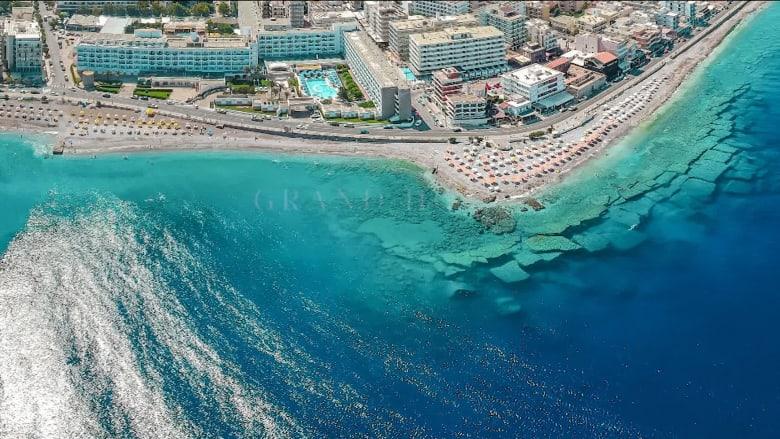 شركة سياحة هولندية تنظم عطلة تجريبية إلى اليونان كجزء من دراسة لمعرفة كيف يمكننا استئناف أنشطة ما قبل الوباء
