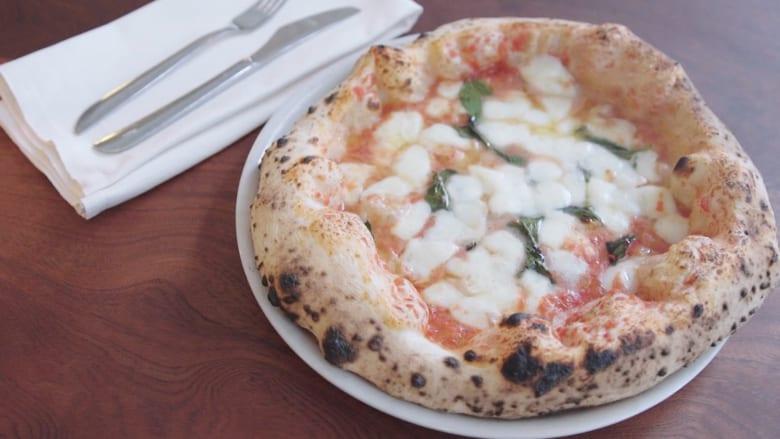 بعجينتها المحمصة وجبنها الذائب.. لماذا تعتبر البيتزا أكثر الأطعمة إدمانًا؟