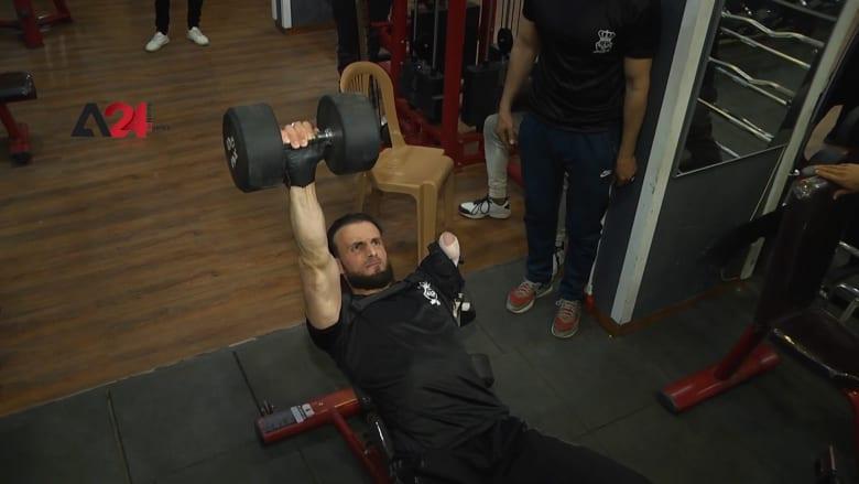 فلسطيني بُتر ساعده.. ولكن حبه للرياضة جعل منه بطلاً في رياضة كمال أجسام