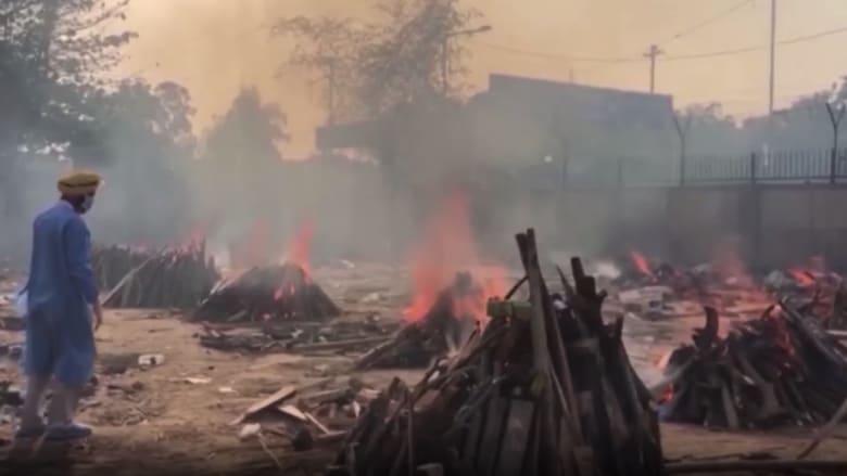 كورونا يفتك بالهند.. الموتى يحرقون في مواقف السيارات والخشب ينفذ