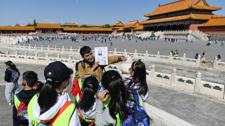 الصين تشهد ارتفاعًا كبيراً في السياحة الداخلية بعطلة عيد العمال.. محطمة أرقام قياسية سجلت قبل الوباء