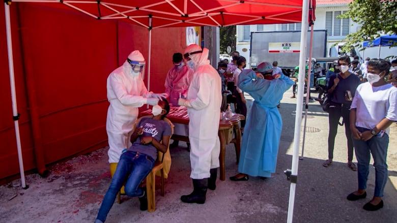 من سريلانكا إلى نيبال وسنغافورة.. كيف أثر تفشي فيروس كورونا في الهند على انتشار الفيروس في الدول المجاورة؟
