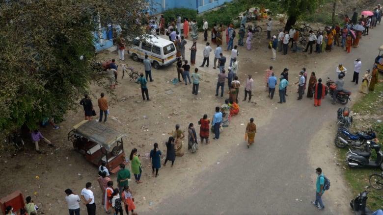 الهند تتجاوز حاجز 24 مليون إصابة كورونا.. و4 آلاف وفاة في يوم واحد