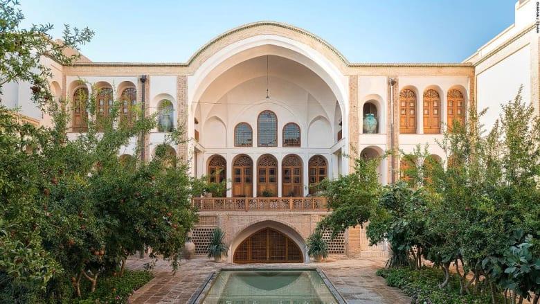 """""""ليالي الفارسية"""".. إليك قائمة بـ16 من أجمل فنادق البوتيك في إيران"""